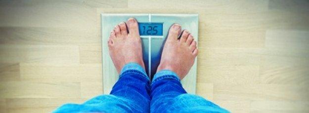 Waage zeigt Übergewicht