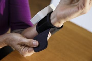 Omron RS2 Handgelenk-Blutdruckmessgerät